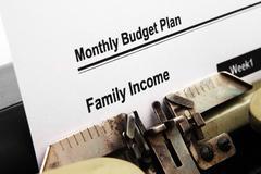 Kuukausittain budjettiesityksen Kuvituskuvat