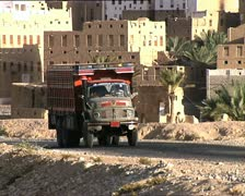 YEMEN truck in Shibam zoom out AUDIO Stock Footage