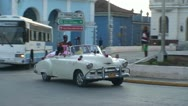Sancti Spiritus, Sweet sixteen parade in car Stock Footage