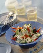 Kreikkalainen salaatti jogurtti kastiketta Kuvituskuvat