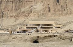 Mortuary temple of hatshepsut in egypt Stock Photos