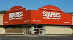 Staples office supplies storefront - loop Stock Footage