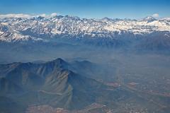 Ilmakuva Andien ja santiago savusumu, Chile Kuvituskuvat
