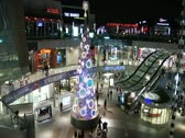 Stock Video Footage of Satna Monica Mall time lapsed at Christmas time