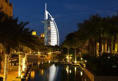Night view of burj al arab hotel (7 star, 1999) from territory of madinat jum Stock Photos