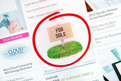 sale sign on internet advertising - stock photo