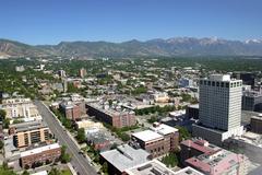 Itään salt lake city, näköala kaupunkiin ja vuorille Utahissa. Kuvituskuvat