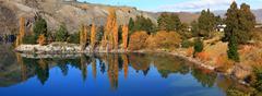 Lake dunstan reflection new zealand Stock Photos