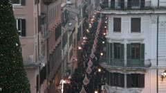 People walking in the citycentre in Rome during Christmas time Stock Footage