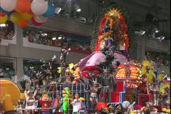 Carnival in Rio, Carnaval, Samba Parades, elaborate disco float Stock Footage