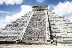 mayan pyramid of kukulcan el castillo in chichen-itza (chichen itza), mexico - stock photo