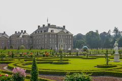 Royal palace het loo with renaissance garden Stock Photos