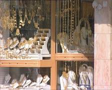DUBAI gold jewelry shop window Stock Footage