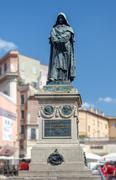 giordano brvno statue in campo de' fiori, rome. - stock photo