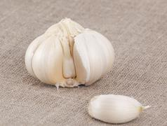 Garlic bulb split open Stock Photos