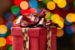 Kuva joulun lahjapakkaus yli kuohuviinien taustaa Kuvituskuvat