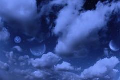 Planeetat, kuu ja tähdet pilvinen taivas Kuvituskuvat