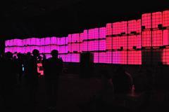 Party, konsertti, vaaleanpunainen valot Kuvituskuvat