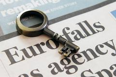 Headline news  euro falls Stock Photos