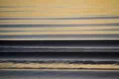 Aamulla veden aaltoilu Kuvituskuvat