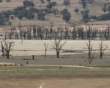 Lake Hume Australia, Hume weir, dam drought Stock Footage