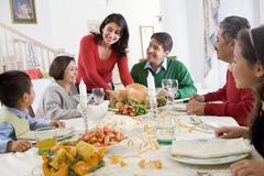 Perhe kaikki yhdessä jouluateria Kuvituskuvat