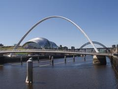 the sage, gateshead millenium bridge and tyne bridge, newcastle on tyne - stock photo