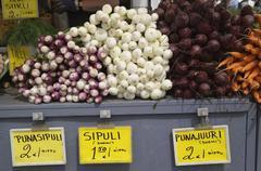 Tuoreita vihanneksia myytävänä, helsinki, Suomi Kuvituskuvat