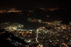 Kaunis Rio de Janeiro yöllä Brasilia Kuvituskuvat
