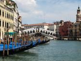 Ponte di rialto a venezia Stock Photos