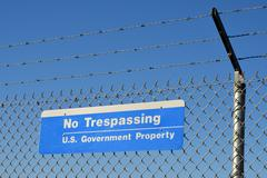 Us government no trespassing sign Stock Photos
