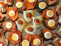 Osapuolen leipomo buffet kulttuuri syödä Pitkäperjantai rulla Kuvituskuvat