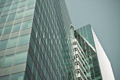 Sininen toimisto pilvenpiirtäjä nurkka Kuvituskuvat