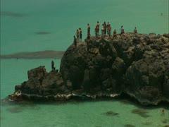 Cliff Jumping, Waimea Bay in O'ahu Stock Footage