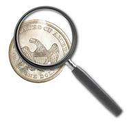 Kolikko dollari ja suurennuslasi eristetty valkoinen Piirros