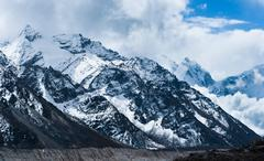 peaks and glacier not far gorak shep and everest base camp - stock illustration