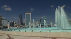 Friendship fountain and Jacksonville, Florida skyline Stock Footage