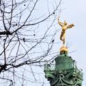 July column in paris Stock Photos