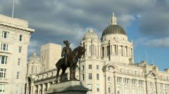 Statue of king edward vii, port of Liverpool building Stock Footage