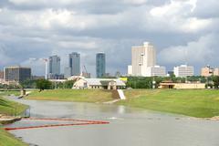 City Skyline Fort Worth, Texas katsottuna Trinity joen Kuvituskuvat