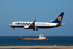 ryanair boeing 737-800 - stock photo