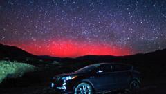 Harvinainen Desert Aurora Stars Timelapse yli SUV Car Death Valley Arkistovideo