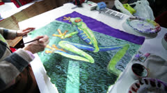 Painting a frog with aquarelles Stock Footage