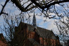 Church under blue sky in glasgow Stock Photos