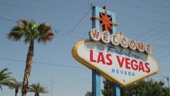 Welcome to Las Vegas sign 24p tilt down Stock Footage