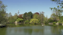 Lake in the city park Frankfurt Stock Footage