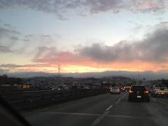 San Francisco Rolling Fog aikana auringon laskettua Kuvituskuvat