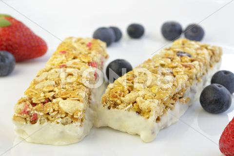 Stock photo of granola bars with berries