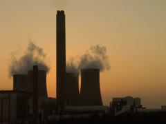 Cooling Towers at Ratcliffe on Soar Stock Footage