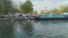 Bank holiday Monday, Newbury (12) UK (Crafty Craft race) Stock Footage